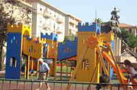 parco giochi a 100 m piazza Roma