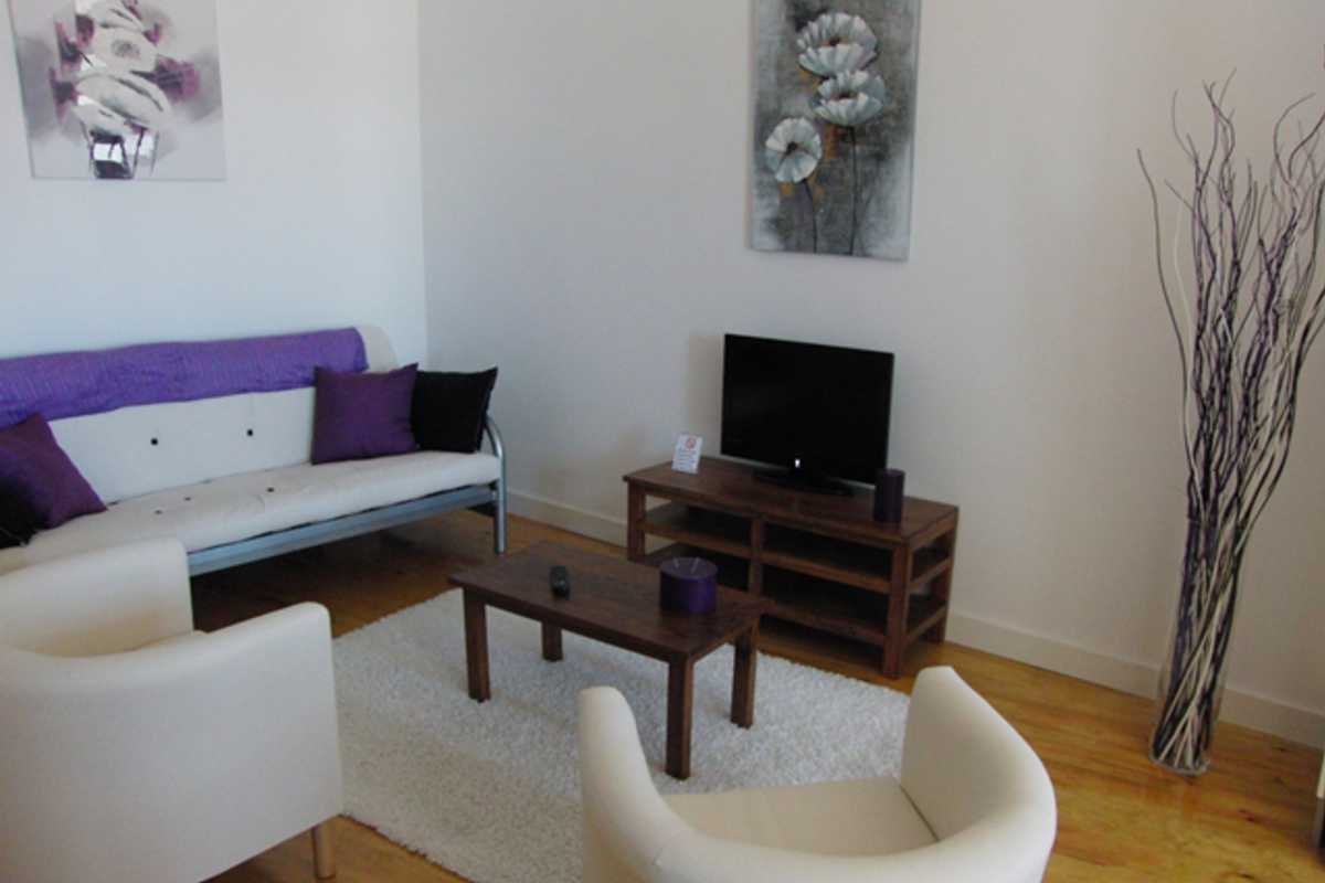 Historical Area Flat with Balcony - Beco do Monte, Lisbon