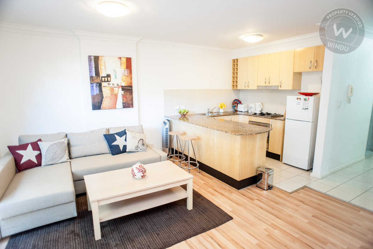 Bondi Beach Garden Apt with Secure Parking - O'brien, Sydney