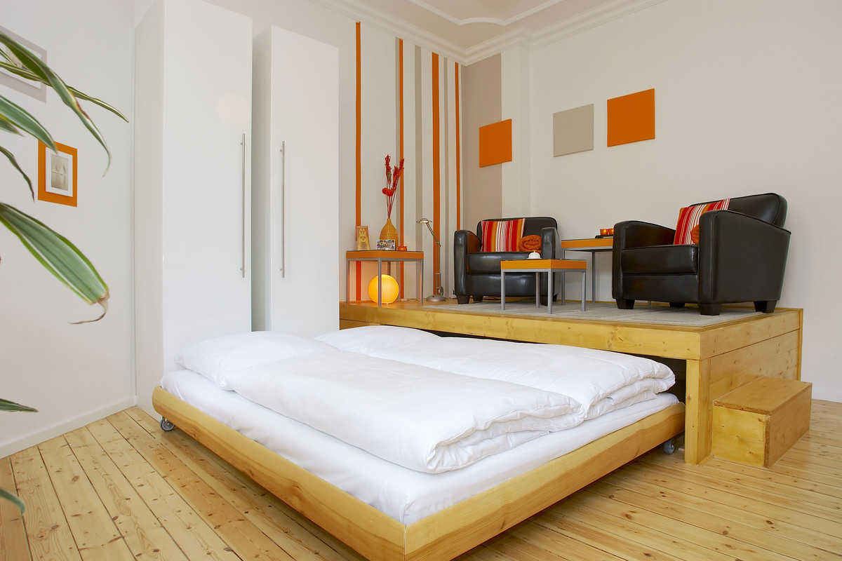Stylish apartment overlooking beautiful landscaped garden - Urbanstraße, Berlin