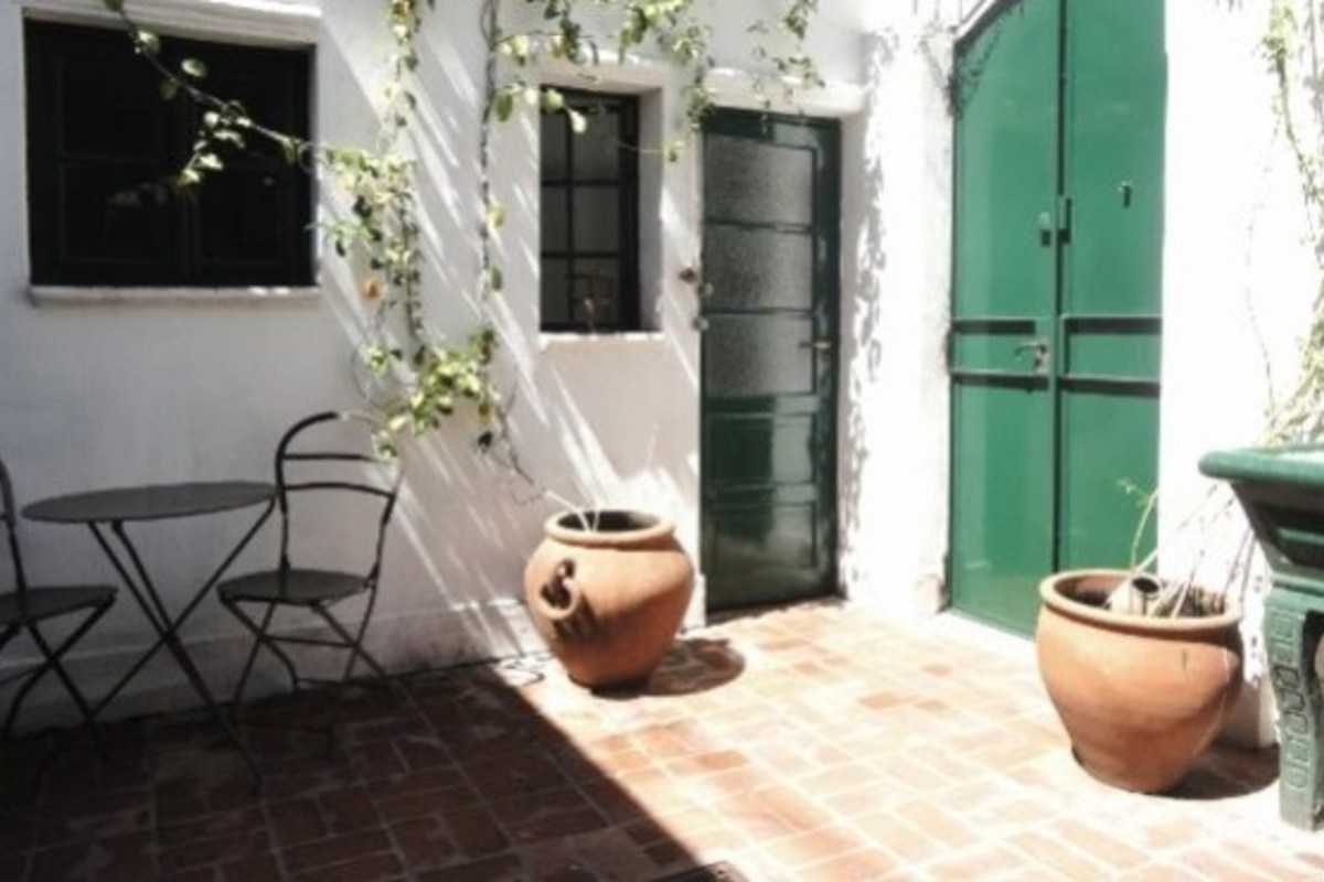 Charming patio, colonial apartment - Chacabuco, Buenos Aires
