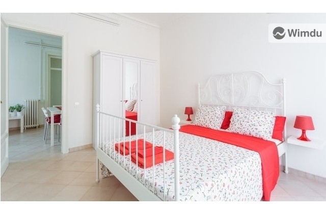 Red room / Wifi / Kitchen in the heart of Barcelona - Via Laietana, Barcelona