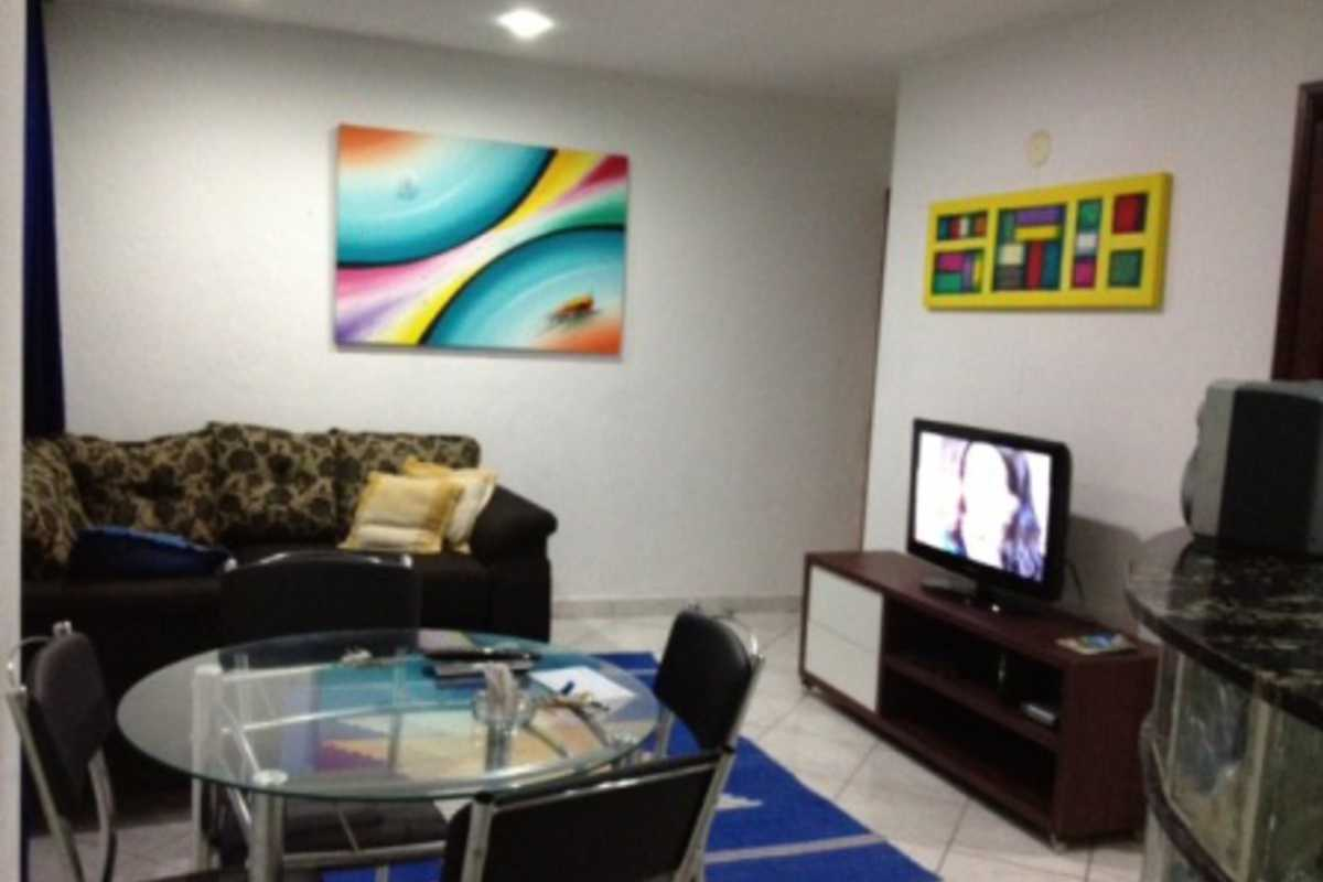 Beautiful 12th Floor Condo Close to the Beach - Rua Xavier da Silveira, Copacabana