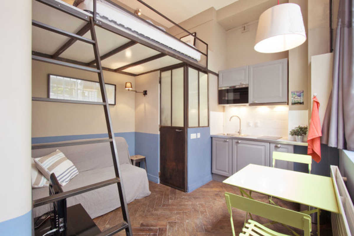 Small artist studio fully renovated central location near Canal saint martin - rue du faubourg du temple, paris