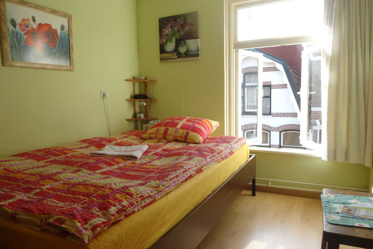 Nice double room in center, close to station, B&B Alkmaar onder de watertoren - Forestusstraat, Alkmaar