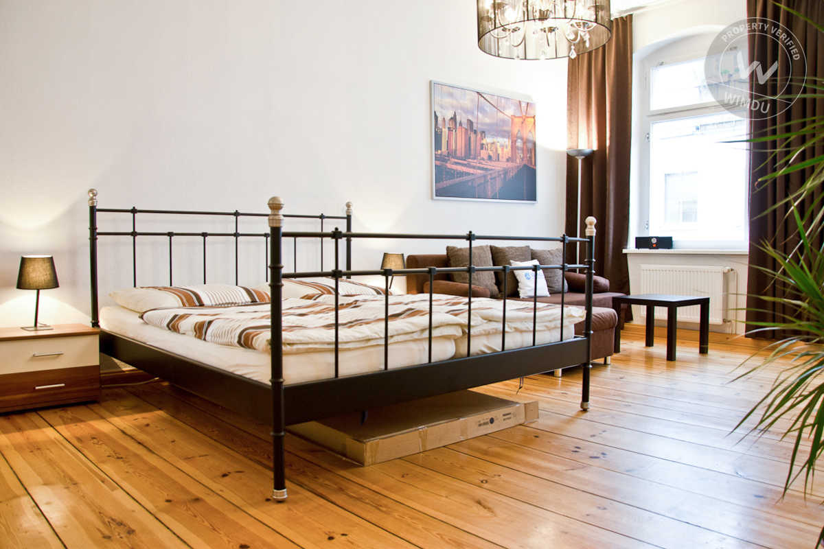 Spacious apartment in Berlin Mitte - Torstrasse, Berlin
