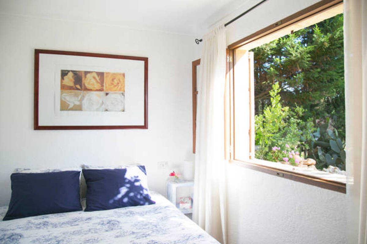 wohnung mit terrasse in sch ner villa villa costa de canyamel. Black Bedroom Furniture Sets. Home Design Ideas