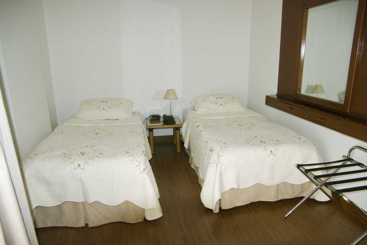 For two near 93 Park  - Carrera, Bogota